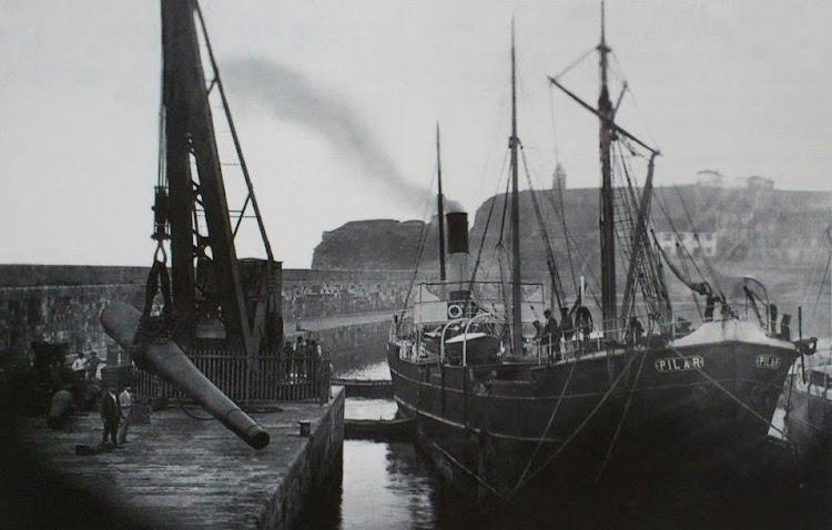 Desembarco de cañones en Punta Lequerica para el fuerta de Santa Catalina 1899. Foto Flickr.jpg