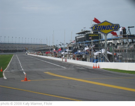 'pit road' photo (c) 2008, Katy Warner - license: http://creativecommons.org/licenses/by-sa/2.0/