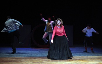 Shakespeare-tragedy-set-amid-Iraq-strife