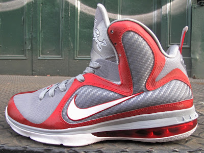 nike lebron 9 gr ohio state grey 4 01 Releasing Now: Nike LeBron 9 Ohio State Buckeyes