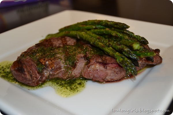 New-York-Steak-and-asparagus-with-chimichurri (7)