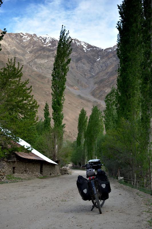 Printre satele de pe jurul Panj-ului.