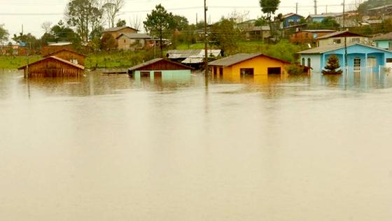 chuva-enchente-santa-catarina-20110830-veja