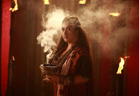 Ana Feleo as a babaylan in Amaya