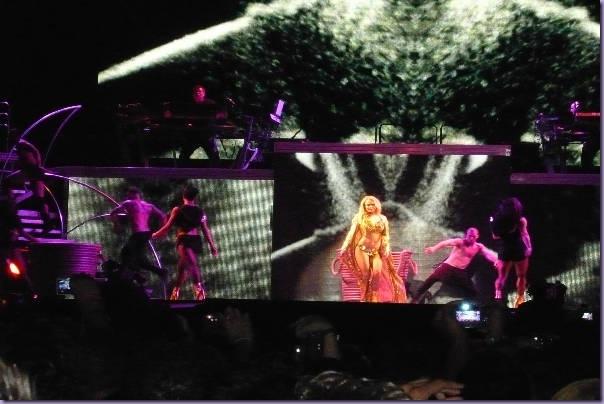 Britney-Spears-Femme-Fatale-Tour-Boys-São-Paulo