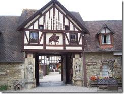 2012.08.16-017 village Guillaume-le-Conquérant