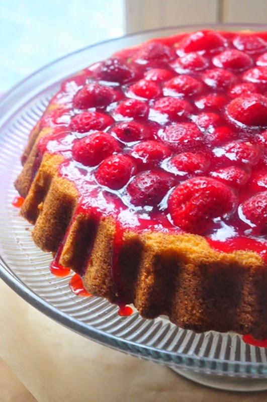 strawberry_cake3LR