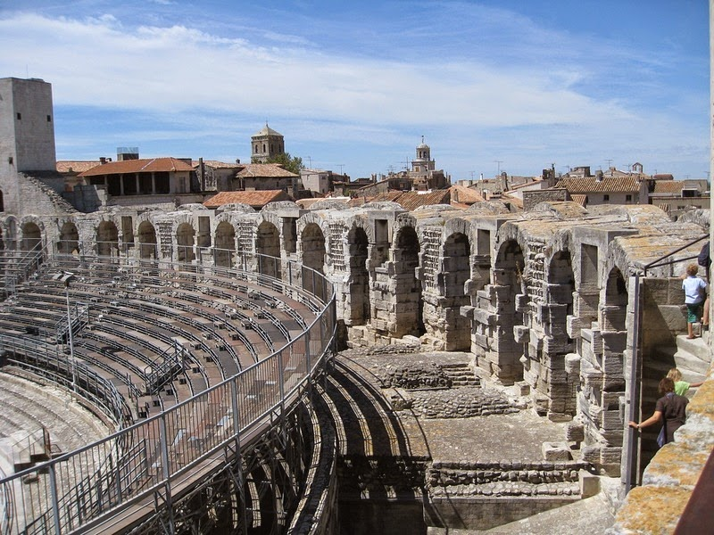 arles-amphitheatre-3