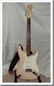 Fender Stratocaster Custom (with HOT Noiseless Pickups) 04
