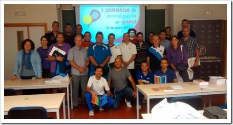 Foto familia Asistentes y Ponentes I Jornada Investigación en Pádel Celebrada en la Universidad de Murcia y organizada por PadelScience 2014