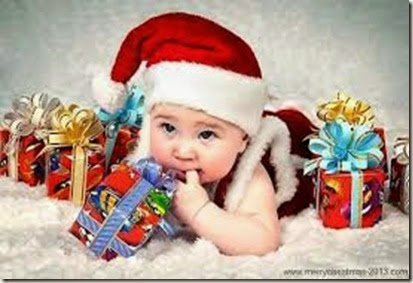 Cute-baby-with-Christmas-Gifts-Ideas-Pictures