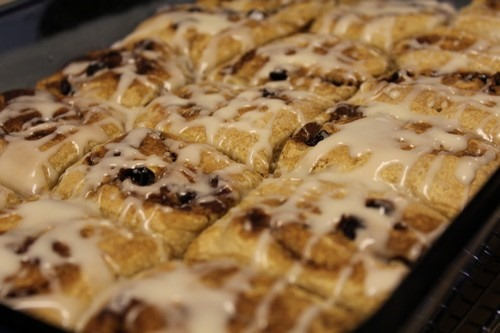 sourdough-spelt-cinnamon-rolls_025