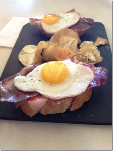 jamon with quail eggs