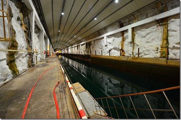 Quer comprar uma base submarina secreta (5)