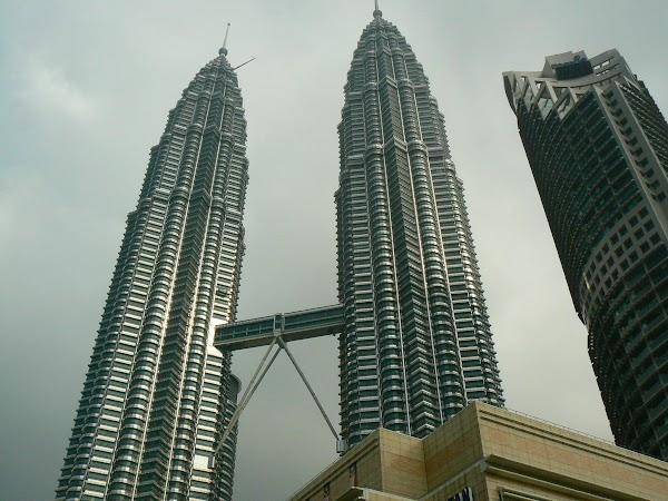 4. turnurile Petronas ziua.JPG
