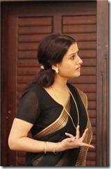 sonia in black saree