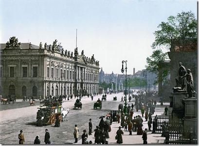 Das Zeughaus Unter den Linden 1900