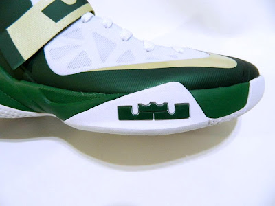 nike zoom soldier 6 pe svsm home 4 07 Detailed Look at Nike Zoom Soldier VI SVSM Fighting Irish PEs