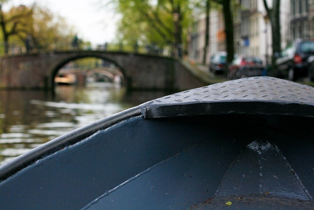 boating amsterdam canal