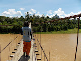 Crossing the Lematang River on the way to Bukit Jempol (Bukit Serelo) (Dan Quinn, November 2013)