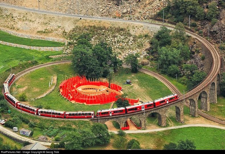 brusio-spiral-viaduct-8