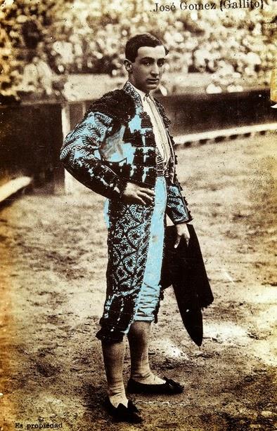 s.f. Joselito Valencia traje hilo negro (Archivo Huguet) - copia