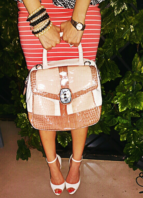 Beige White & Brown Snakeskin Texture Handbag GUESS White Ankle Strap Peep Toes BERSHKA