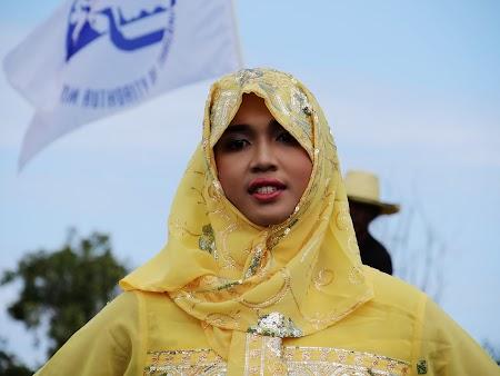 12. Fata musulmanca Asia.JPG