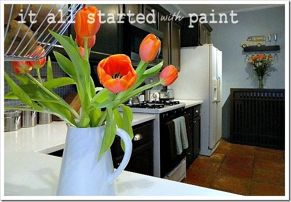 kitchen for blog close up flowers (600x450) (2)