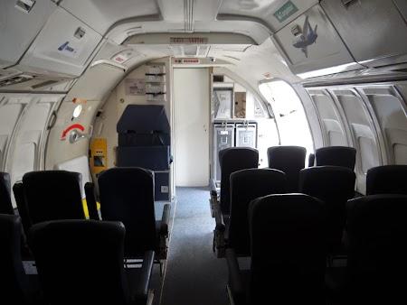17. Avion pentru antrenament evacuare - personal aerian.JPG