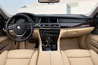 2013-BMW-7-Series-42.jpg