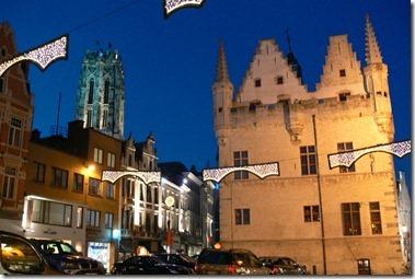13世紀の市庁舎