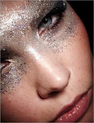 silver-glitter-make-up
