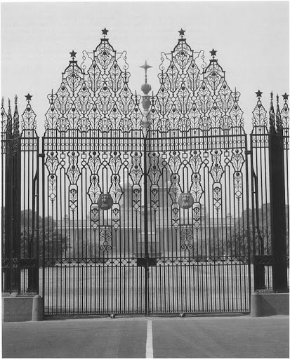 How stunning is this grand wrought-iron gate to the Viceroy's house.