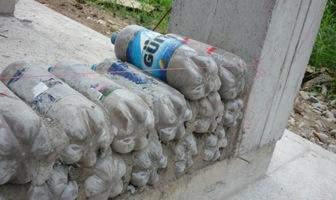 Construcción-Casa-botellas-plásticas-recicladas