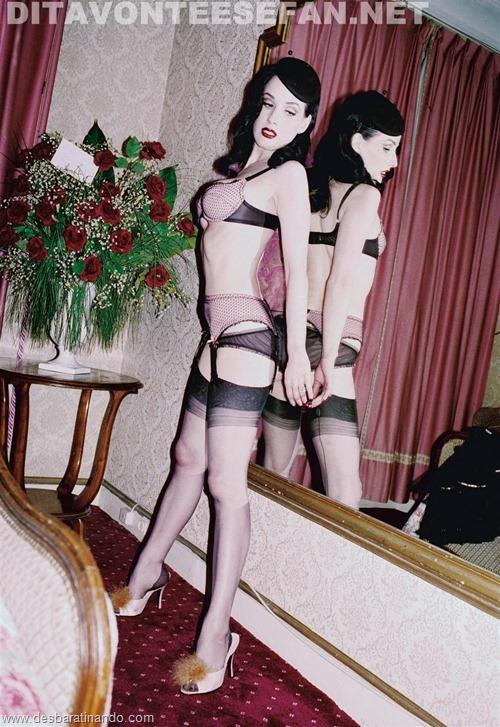 dita von teese linda sensual sexy sedutora desbaratinando (131)