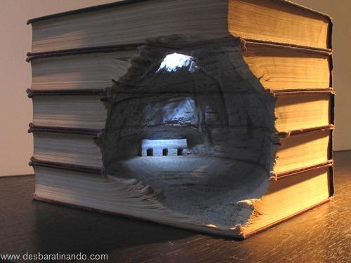 livros montanhas entalhados esculpidos desbaratinando (8)
