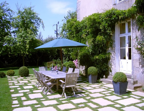 mmlalouviere-bnb-chambres-dhotes-terrasse