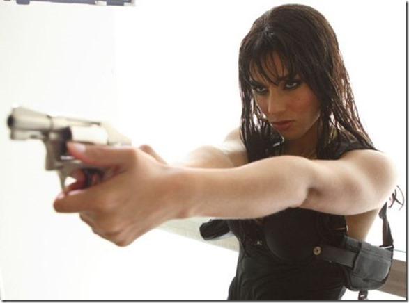 hot-women-guns-44
