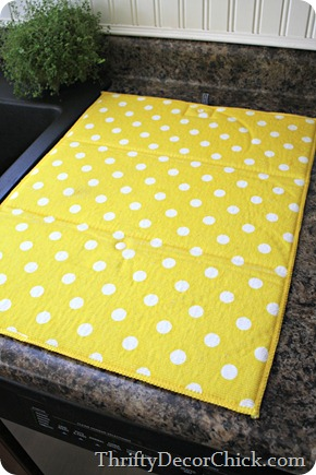 polka dot drying mat