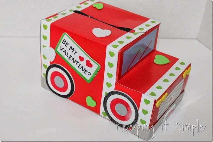 easy-valentine-kids-crafts #orientaltrading (9)