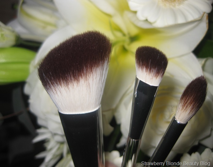 Liz-Earle-Blusher-eyeshadow-contour-brush-review