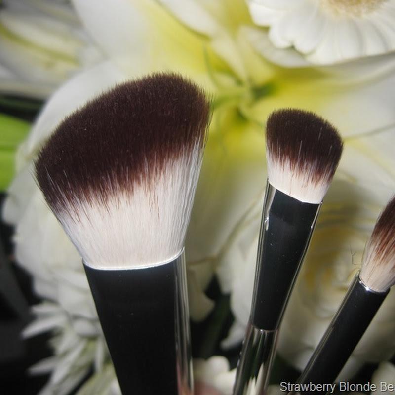 Liz Earle Makeup Brushes Blush Eye