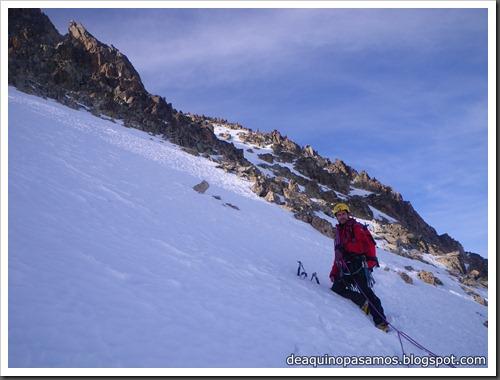 Corredor Noroeste (Izquierda) 300m AD  65º (Pico Serrato 2888m, Pirineos) 7460