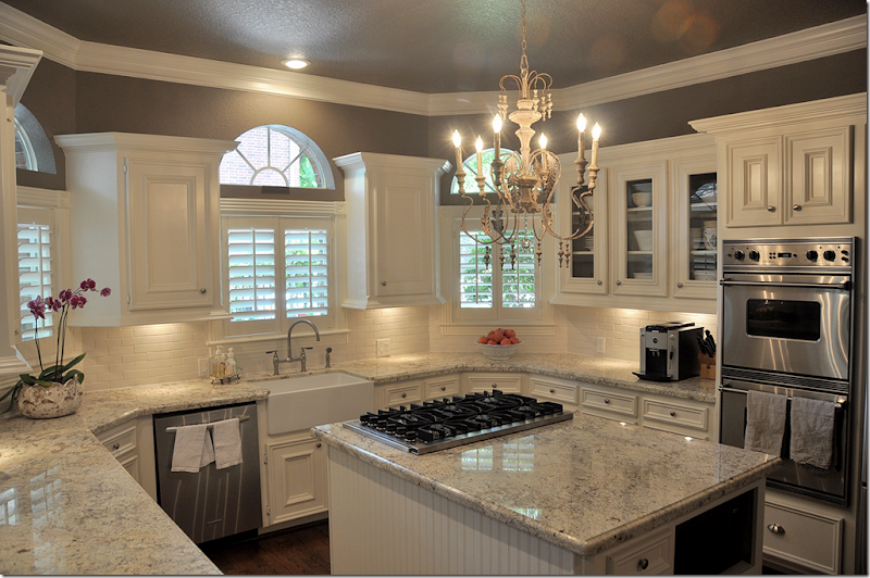 Light Colored Kitchen Cabinets Continuing With The Series Readers Kitchen Today We Have A Newly