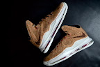 nike lebron 10 gr cork championship 8 01 @KingJames Wears NSWs Nike LeBron X Cork Off the Court