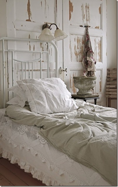 old_3_doors-headboard-645x1024