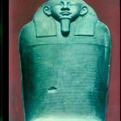 59 - Sarcófago de Esmunazar (París. Museo del Louvre)