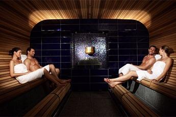 nakene kjendiser farris bad naken