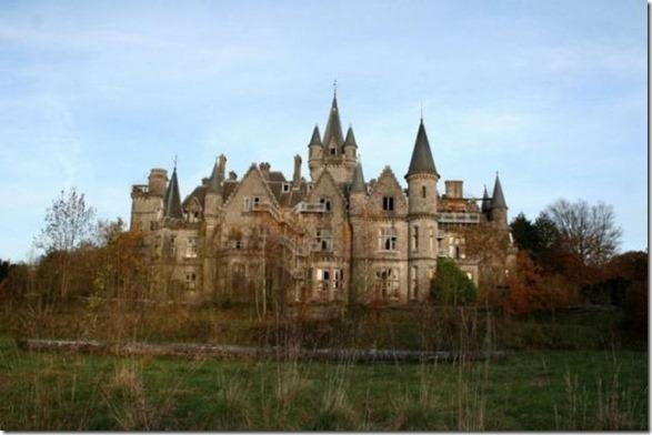 abandoned-castle-belguim-1